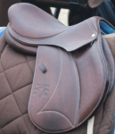 Voltaire jump saddle